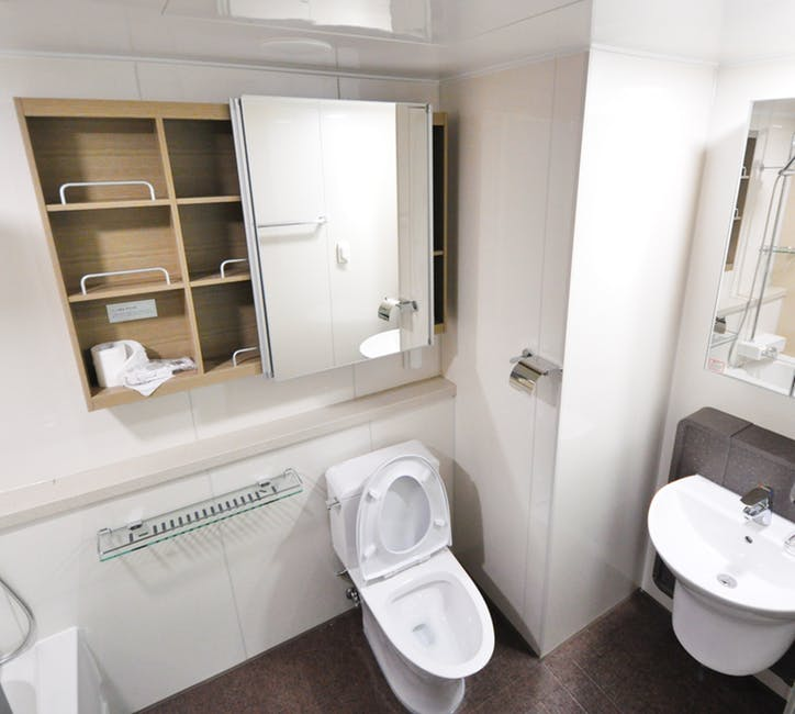 narożna półka łazienkowa