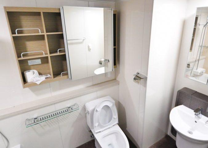 stojąca muszla toaletowa