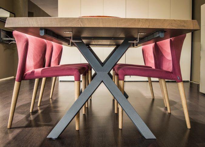 stylowe krzesła dostępne w jadalni